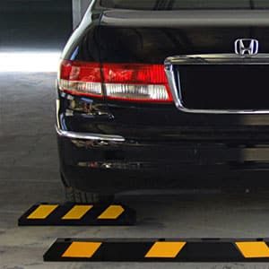 Topes reductores de velocidad para aparcamiento